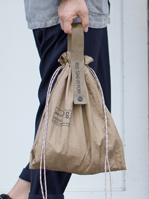 POST GENERAL(ポストジェネラル)/ PACKABLE PARACHUTE NYLON BAG -BROWN-